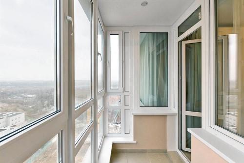 Как самостоятельно устроить остекление балкона: правила работы